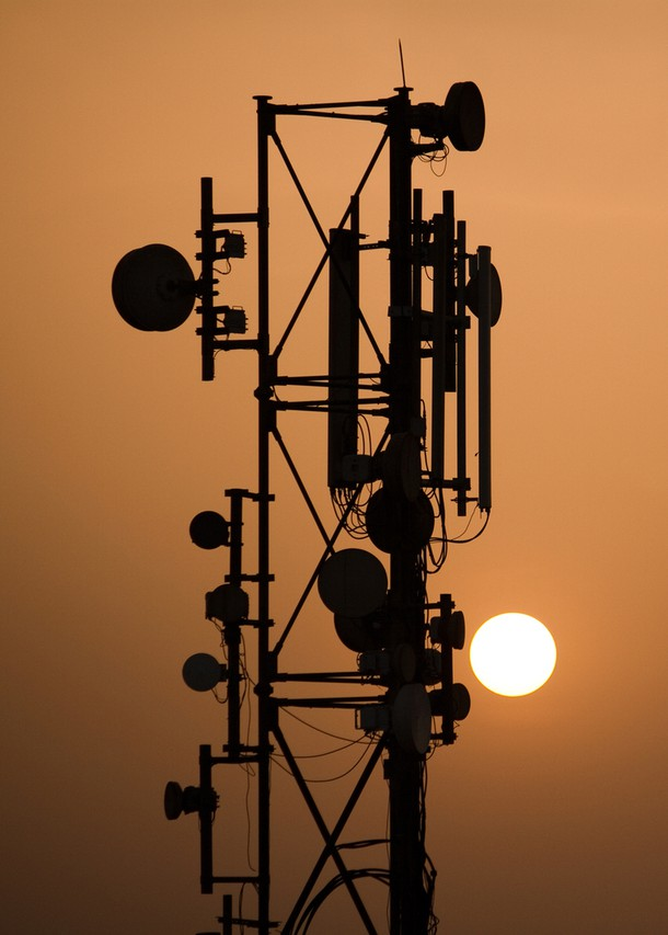 telecommunication-tower-1-1203772-1279x852