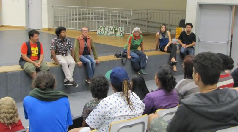 """""""A cultura tem o dom fantástico de agrupar pessoas""""- Juarez Dayrell, professor da UFMG, durante abertura dos cursos no Centro de Referência da Juventude"""
