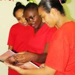 Geisiane, Elen e Alita foram selecionadas por uma equipe multidisciplinar