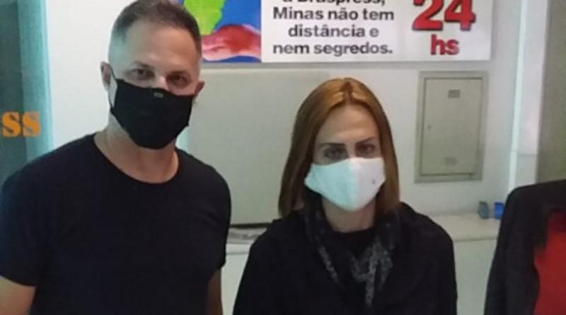 Chefe de Gabinete da Utramig, Cristiane Simão Sadi, recebeu a doação de máscaras oficiais de Marcello Figueiredo, gerente regional da Braspress em MG